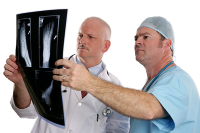 podiatrists-with-xray